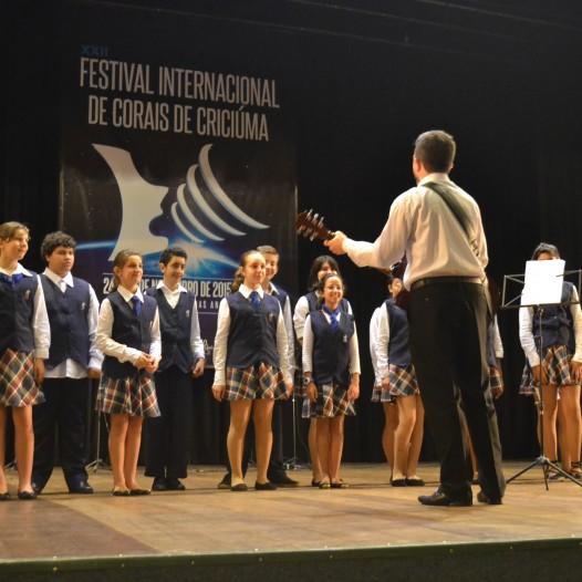 Coral Jovem Rogacionista canta em Festival Internacional